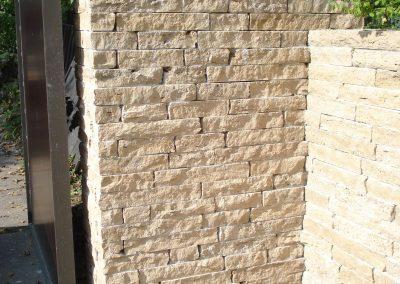 Mauerwerk Travertinriemchen