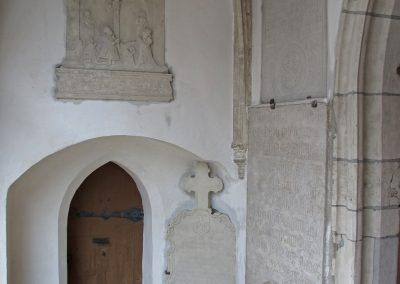 Reinigung/ Sicherung der barocken Epitaphien