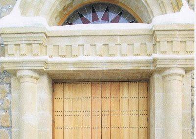 Schlosshotel Kitzbühel, Einbau des Eingangportals, im Unternehmerauftrag