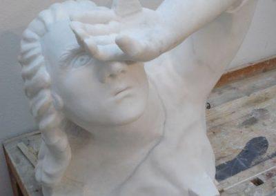 18 Fertige Skulptur